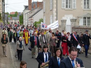 Parade in Onzain for the 20th Anniversary of the twinning 1989 to 2009